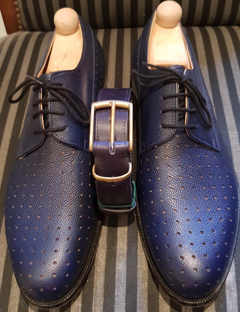 NEU bei uns: Der passende Gürtel zu Ihrem Schuhwerk.