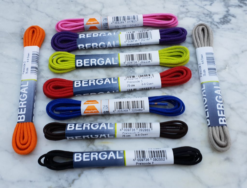 Schnürsenkel in vielen verschiedenen Farben und Längen
