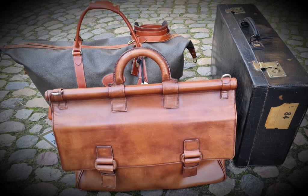 Neu: Taschen, Koffer, etc.